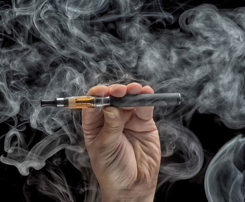 Does the Heat of a Vaping Pen Lead to Problems with Your Teeth?